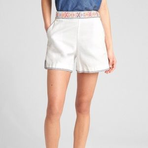 NWT Gap High Rise 5in Shorts with Embroidery